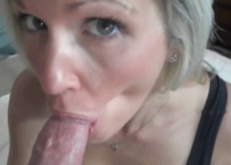 Jolene Devil gives a sloppy blowjob